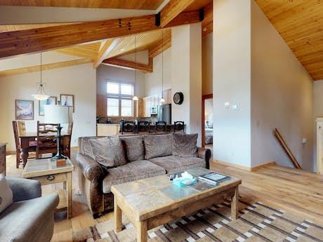 Colorado Cabin Rentals, Vacation Rentals | Vacasa