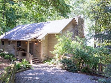 Ellijay GA Cabin Rentals, Vacation Rentals | Vacasa