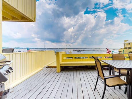Navarre Beach Condo Rentals, Vacation Rentals, Cottages | Vacasa