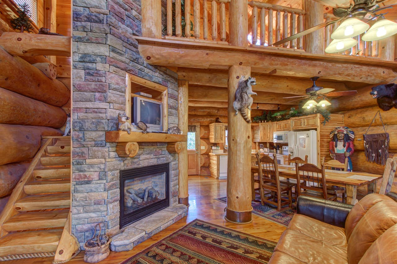 Chief Big Log Cabin 2 Bd Vacation Rental In Sevierville