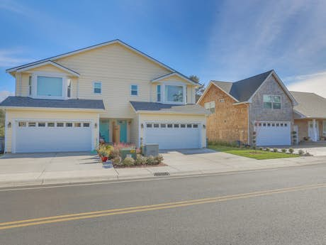 Prime Seaside Oregon Vacation Rentals House Rentals Beach Home Interior And Landscaping Spoatsignezvosmurscom