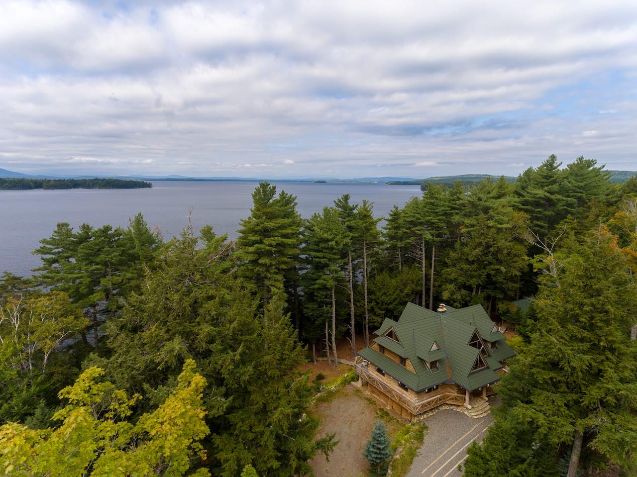 Big Moose Lodge 6 Bd Vacation Rental In Beaver Cove Me