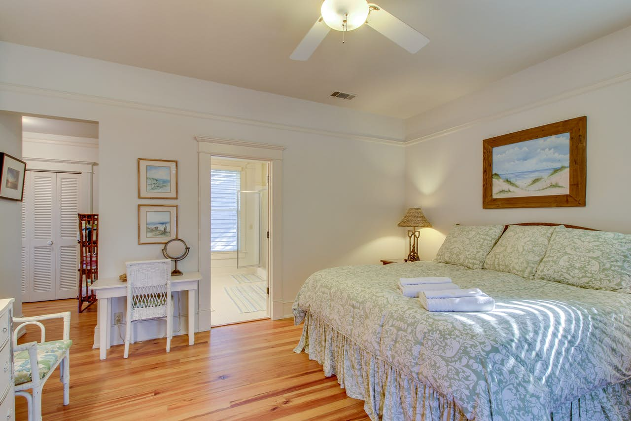 June Bright Cottage 4 Bd Vacation Rental In St Simons