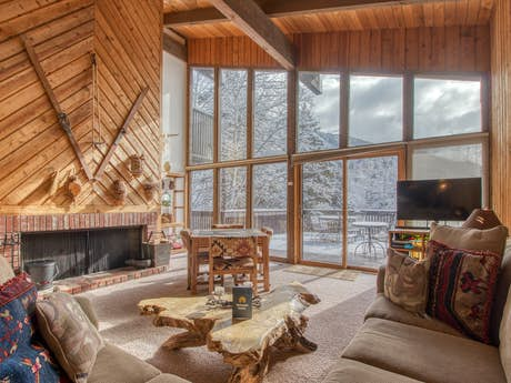 Aspen Vacation Rentals, Cabin Rentals, Condo Rentals | Vacasa