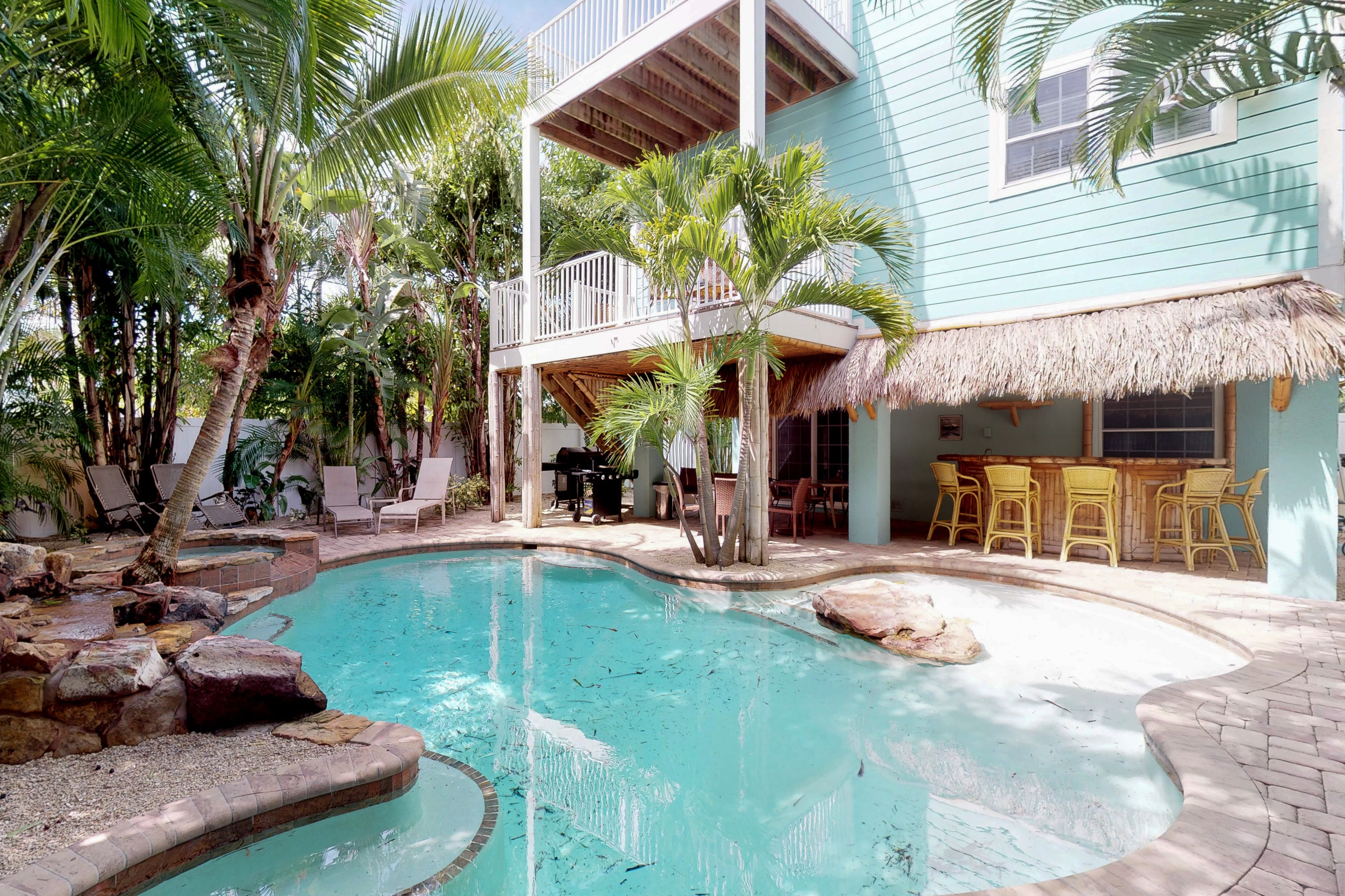 anna maria island vacation rentals beach house rentals vacasa rh vacasa com anna maria island beachfront rentals anna maria island vacation rentals by owner
