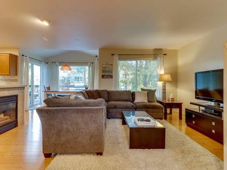 Brilliant Portland Vacation Rentals Vacation Homes Vacasa Interior Design Ideas Gentotryabchikinfo