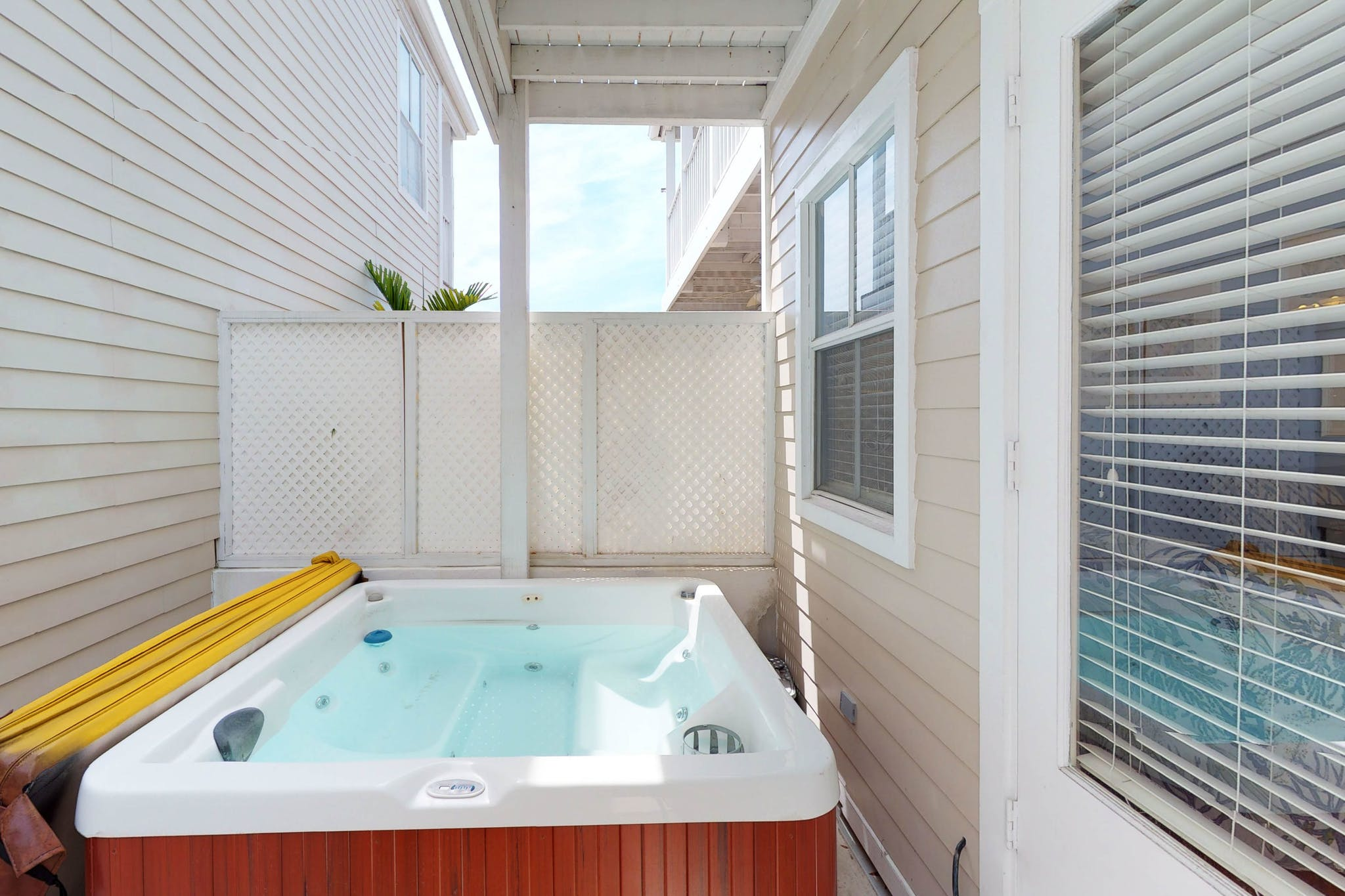 RENT Spa On Duval @ Duval Square - Nightly Rental | Key West