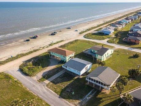 Galveston Beach House Rentals, Beachfront Rentals | Vacasa