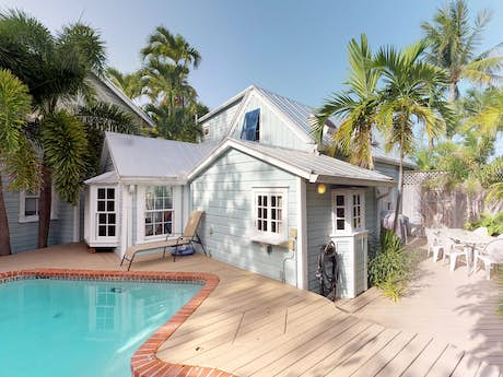 Groovy Florida Keys Vacation Rentals House Rentals And Condos Vacasa Home Interior And Landscaping Analalmasignezvosmurscom