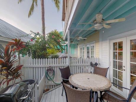 Miraculous Key West Vacation Rentals House Rentals Condos Vacasa Interior Design Ideas Clesiryabchikinfo