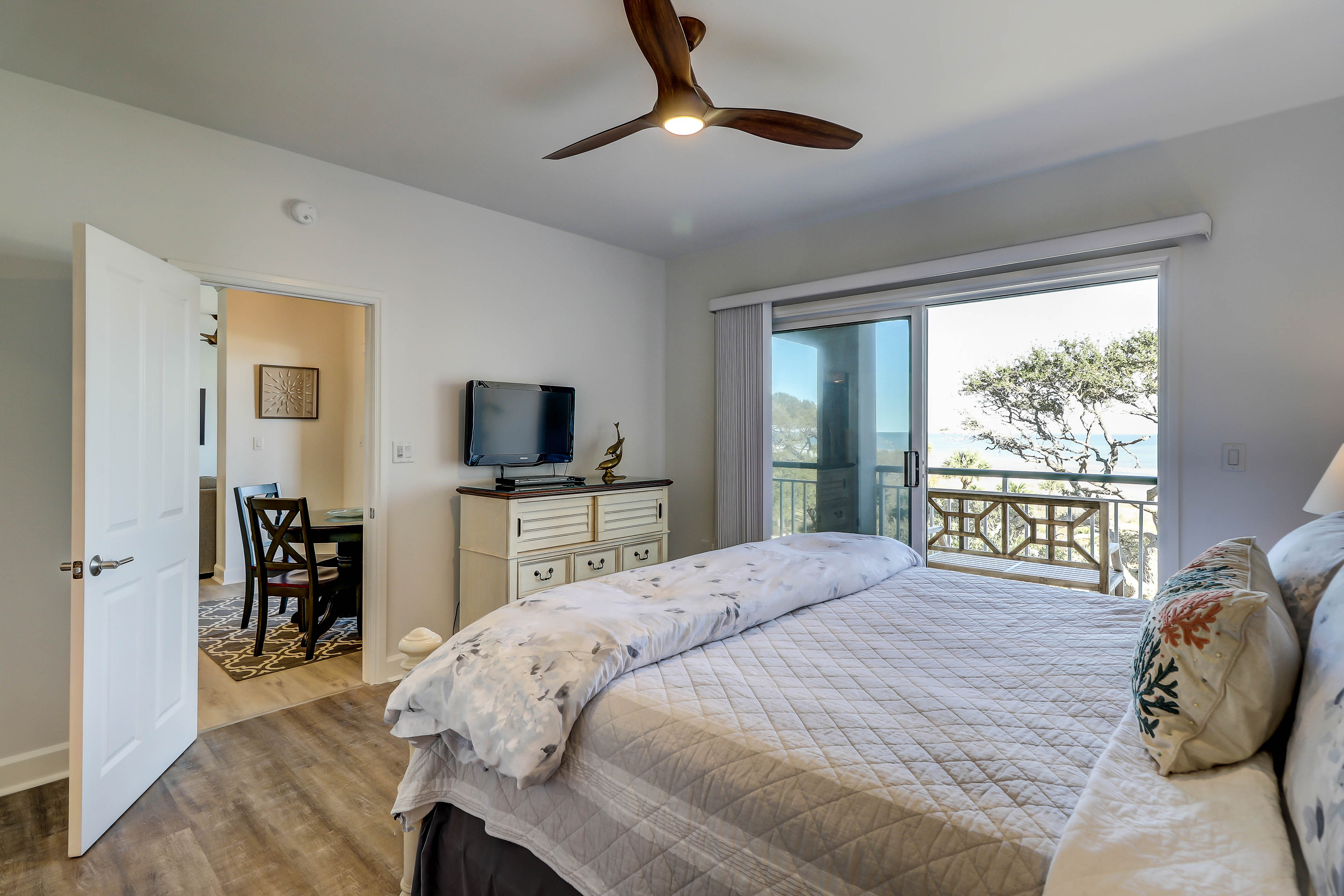 Windsor Court South 3408 | Photo 15