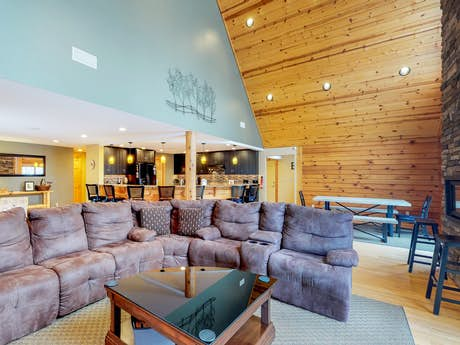 Marvelous Maryland Vacation Rentals Condo Rentals Vacasa Home Interior And Landscaping Ponolsignezvosmurscom