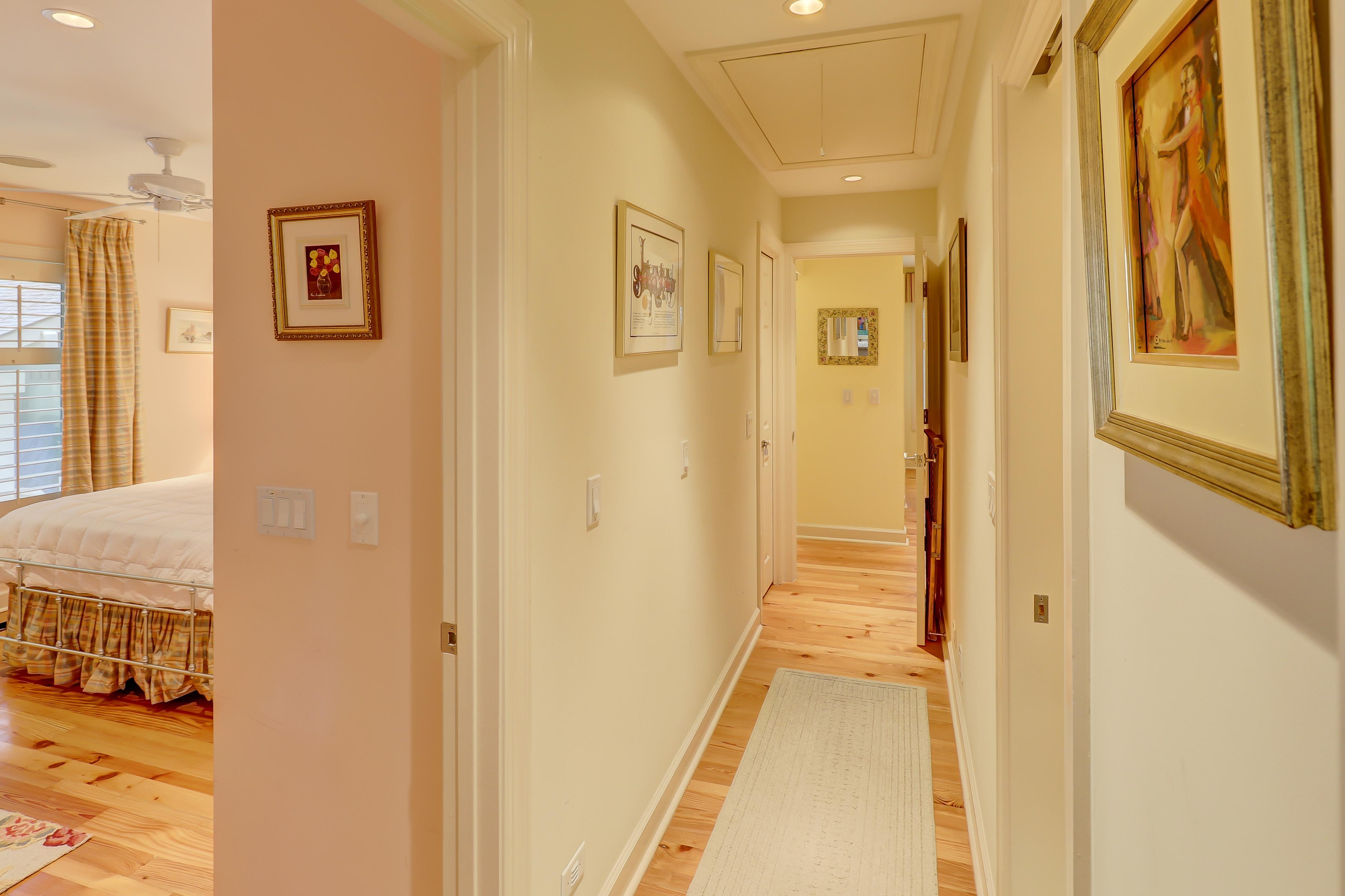 Royal Estate Plus Guest House | Photo 36