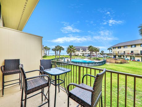 Swell St Augustine Beach Rentals Vacation Rentals Condo Rentals Home Interior And Landscaping Ponolsignezvosmurscom