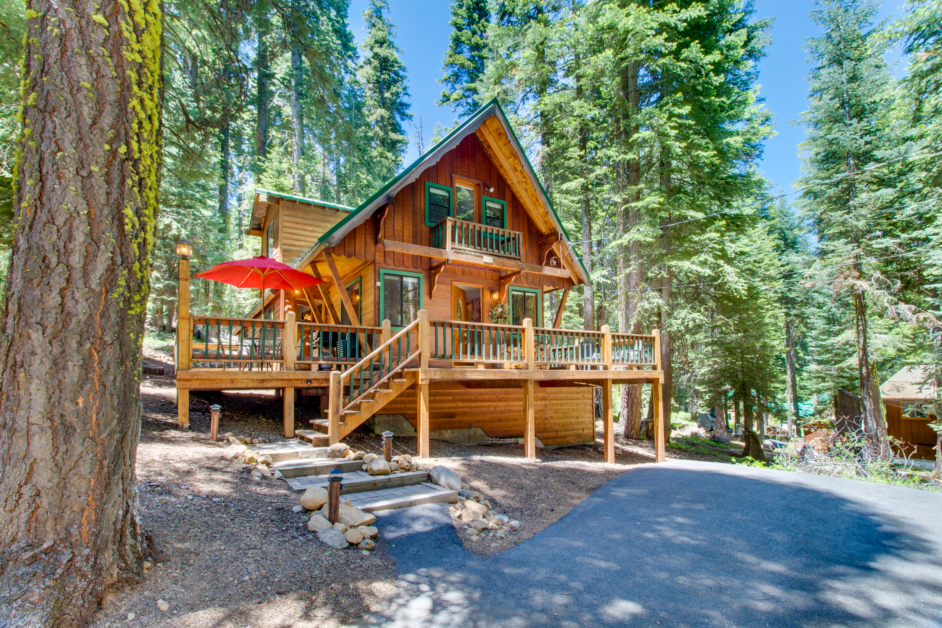 in valley lake tahoe sprawling south cabin cabins rental ca heavenly private property vacation redawning