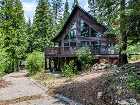 Shaver Lake Vacation Rentals, Cabin Rentals | Vacasa