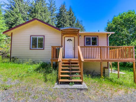 North Bend Vacation Rentals, Vacation Homes | Vacasa