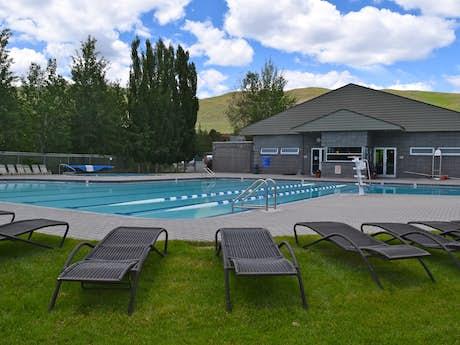 Idaho Cabin Rentals, Vacation Rentals, Lakefront Homes | Vacasa