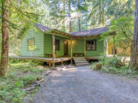 Mt  Hood Vacation Rentals, Cabin Rentals | Vacasa