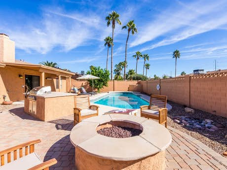 Wondrous Scottsdale Vacation Rentals Vacation Condos Vacasa Interior Design Ideas Clesiryabchikinfo