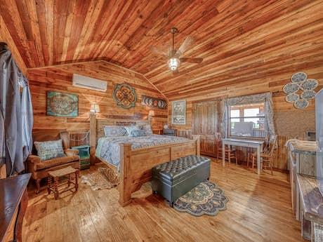 Fredericksburg Cabins Homes Vacation Rentals Vacasa