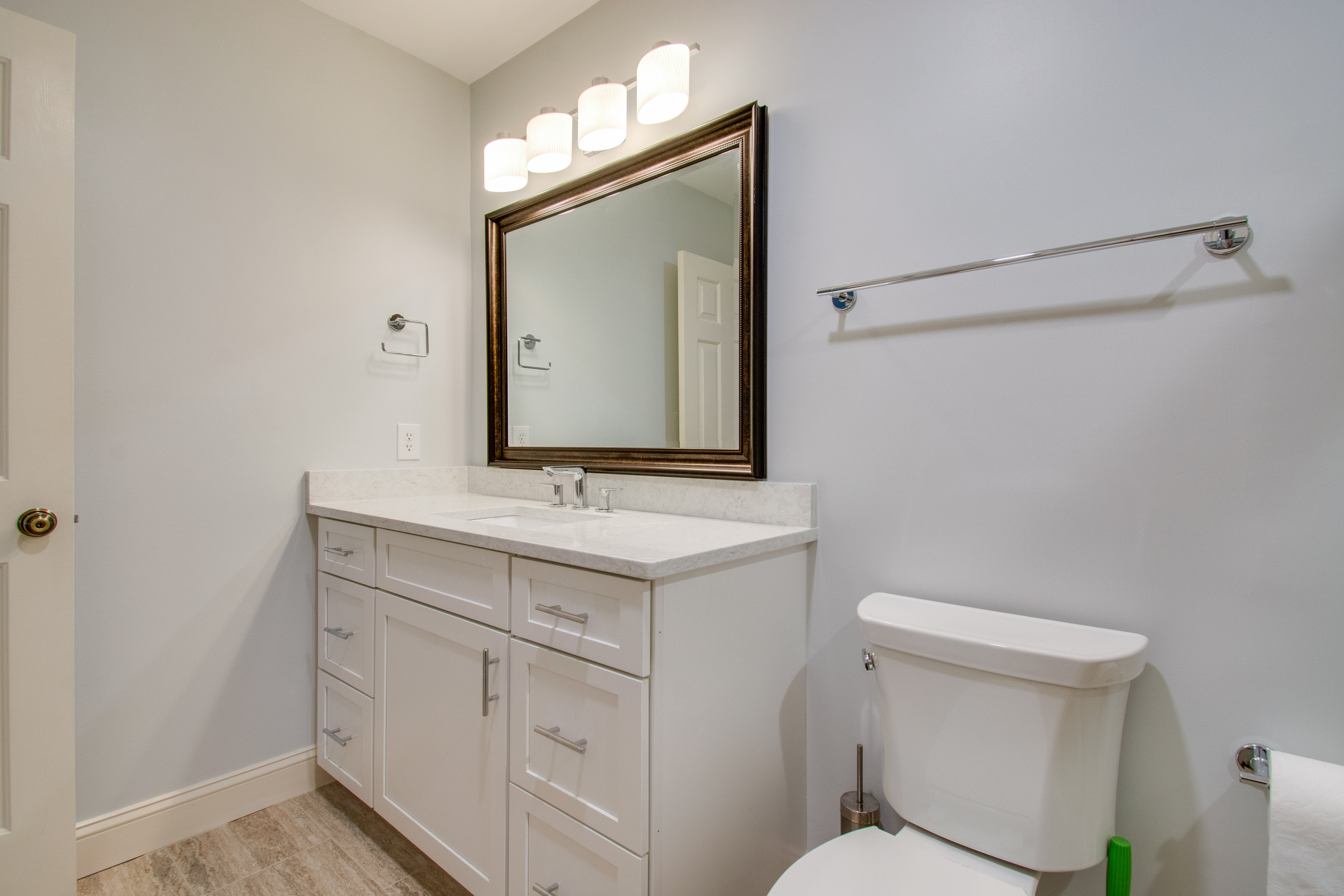 Lake Forest 3325 | Photo 14