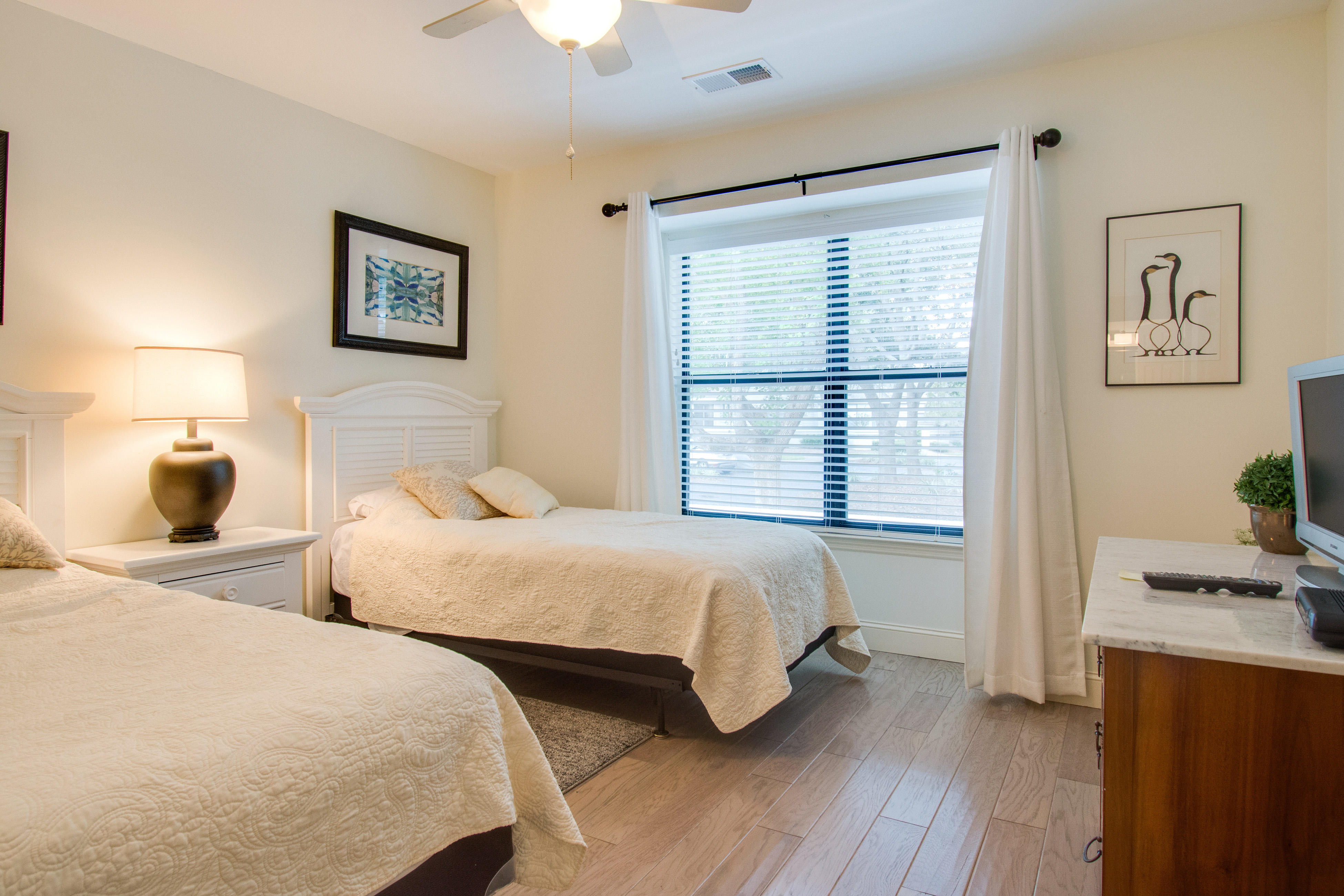 Lake Forest 3325 | Photo 4