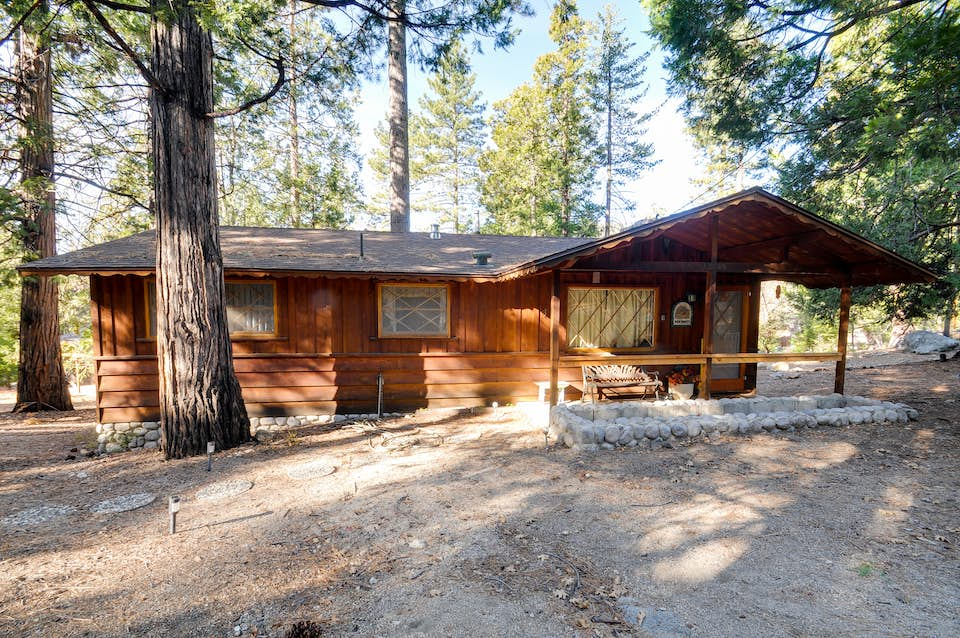 home idyllwild park facebook manor image and outdoor cabins house plant media vacation tree contain woodland may id