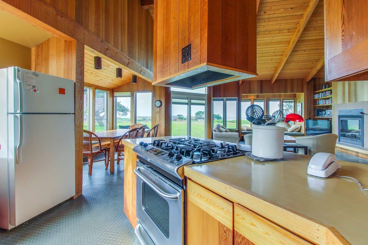 Samson Getaway   3 BD Vacation Rental in Sea Ranch, CA   Vacasa