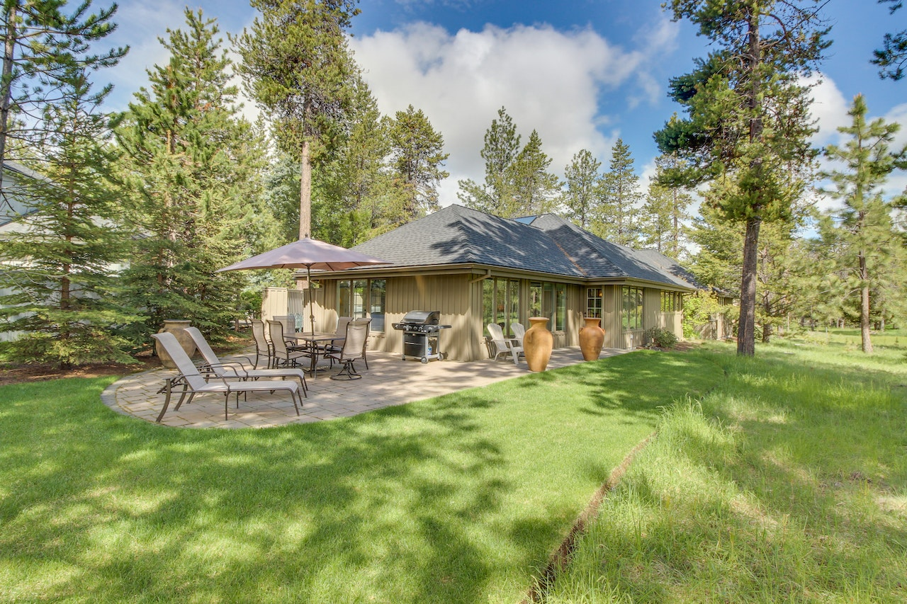 Explore an array of Sunriver, OR vacation rentals, including Houses, Condos/Apartments & more bookable online. Choose from more than 2, properties, ideal house rentals for families, groups and couples. Rent a whole home for your next vacation.