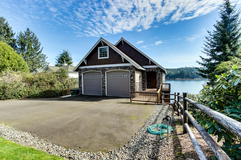 Vista Point Lakehouse On Siltcoos Lake 4 Bd Vacation