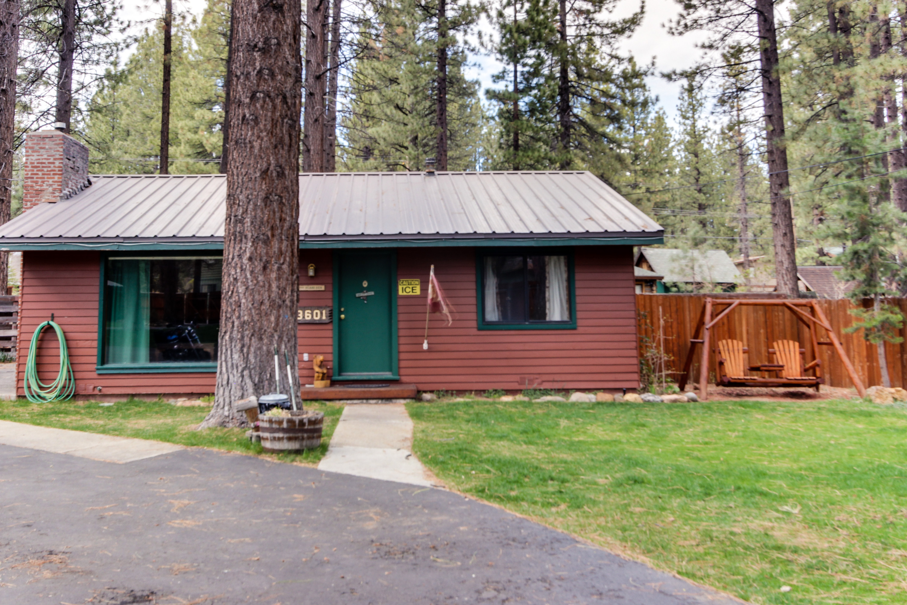 Spruce grove cabin retreat 10 bd vacation rental in for Rental cabins in south lake tahoe