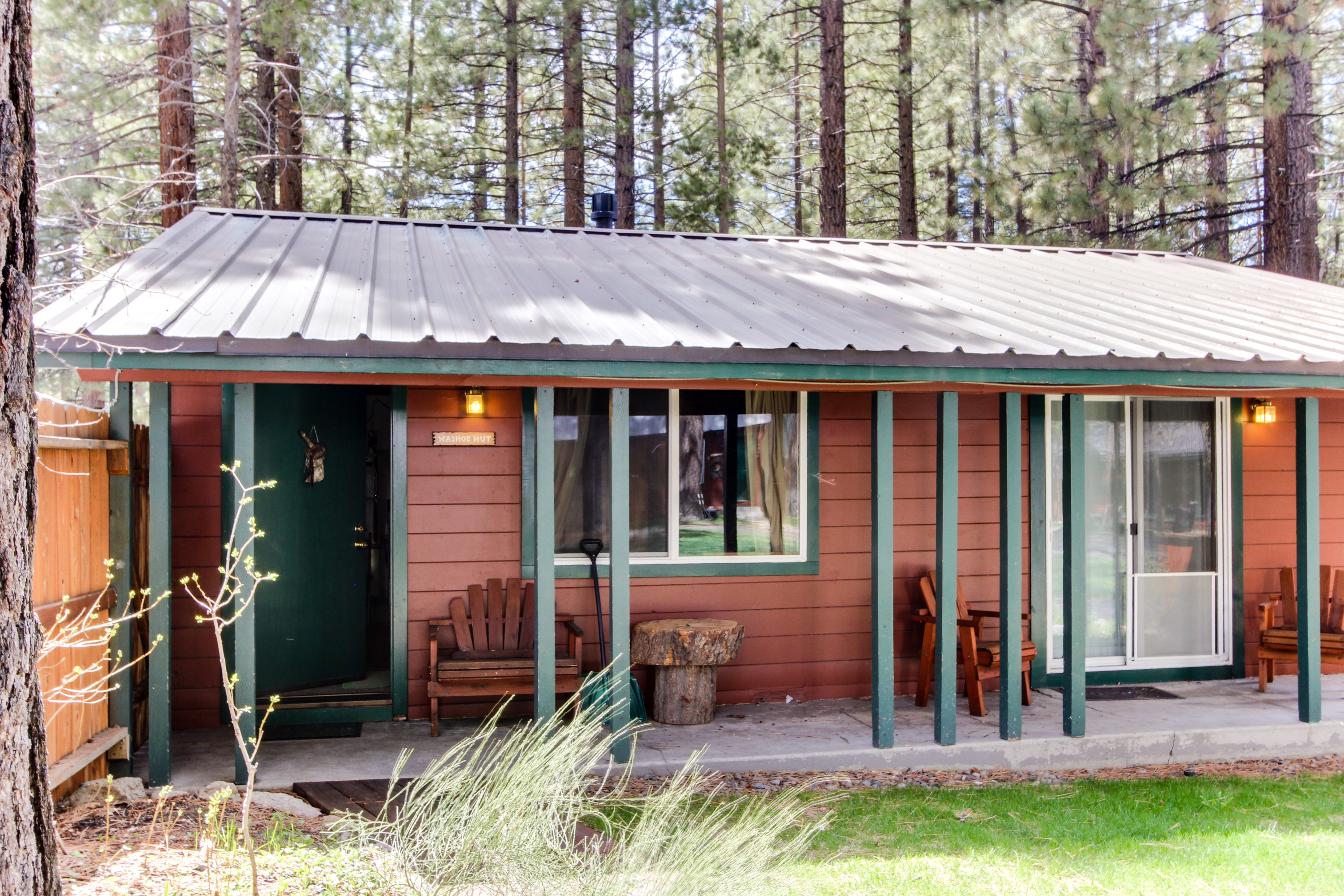 truckee home cabins a lake is in tahoe style gambrel what