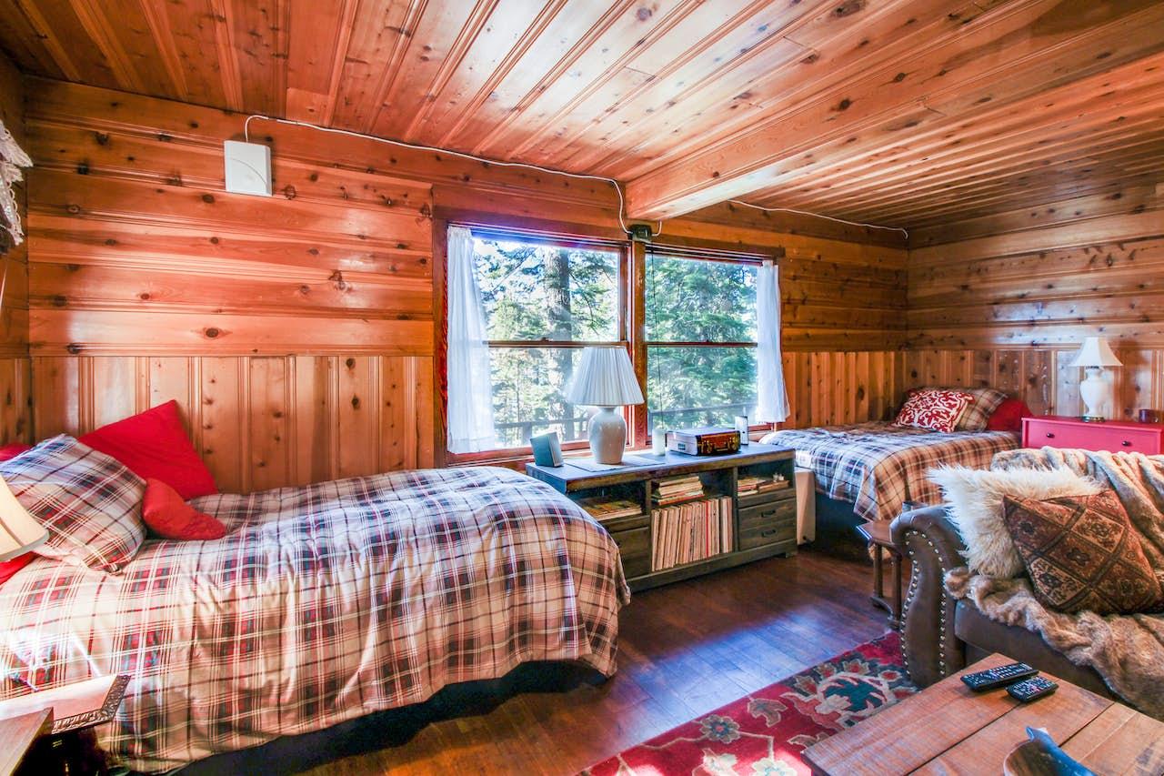 The Cherry Leaf Lodge Retreat On Fallen Leaf Lake 1 Bd Vacation Rental In South Lake Tahoe Ca Vacasa