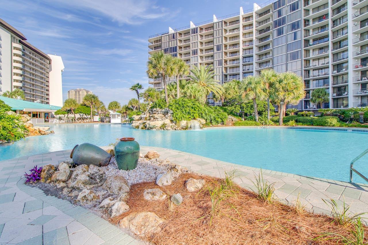 Edgewater Beach Resort T31105  2 BD Vacation Rental in