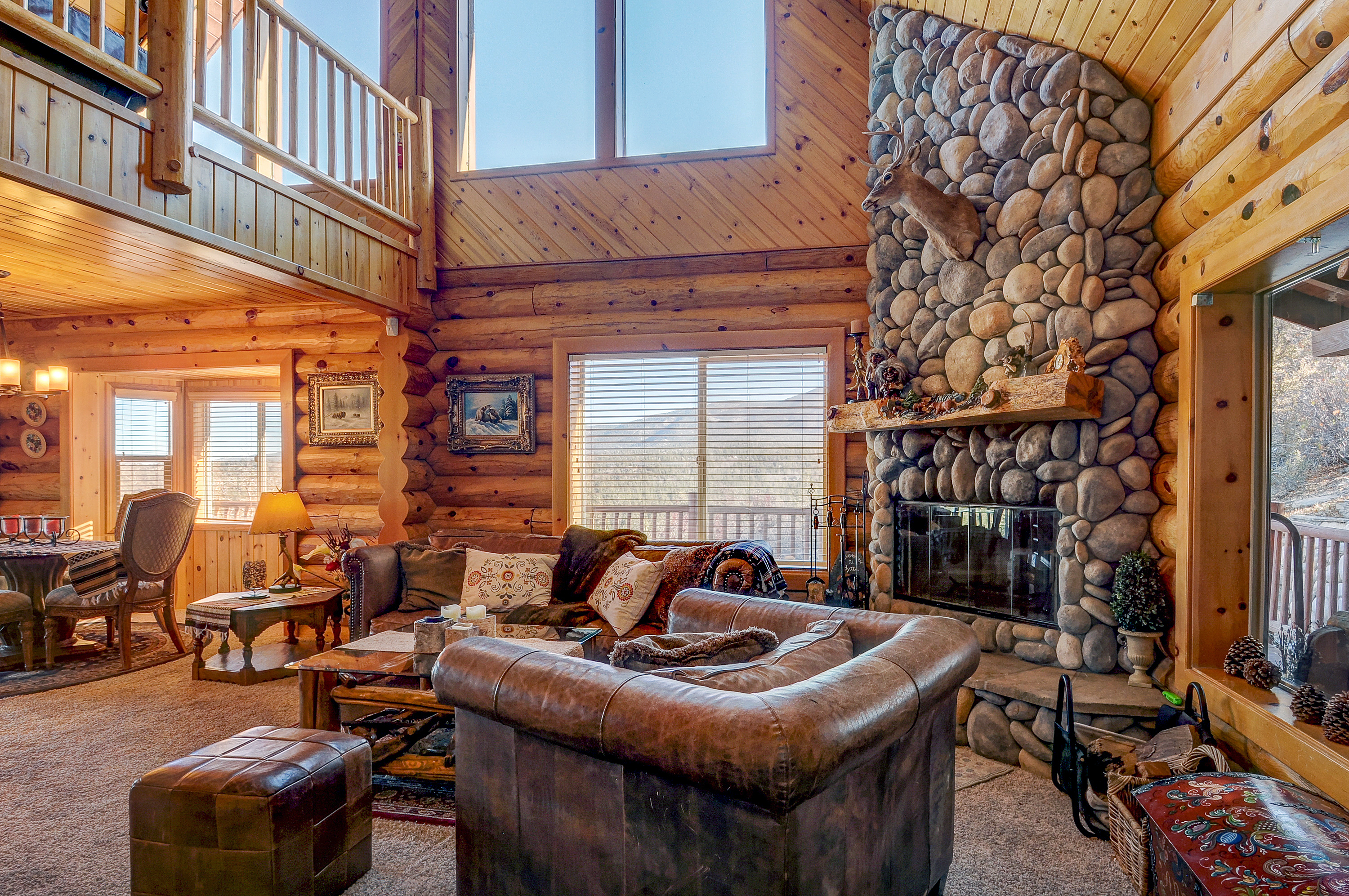 cabins with large lodge jacuzzi cabin by big bear rental rentals