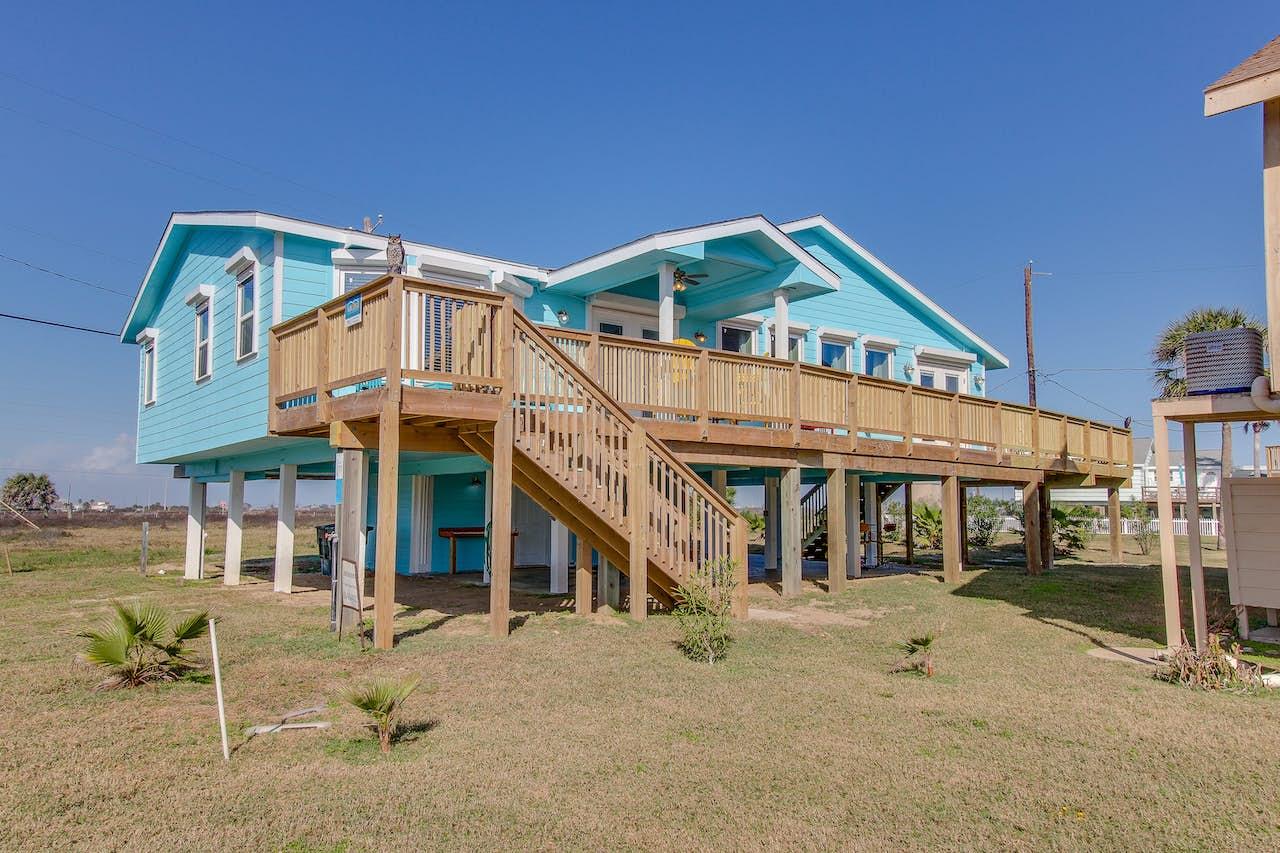 Blue Ribbon Cottage   3 BD Vacation Rental in Galveston, TX   Vacasa