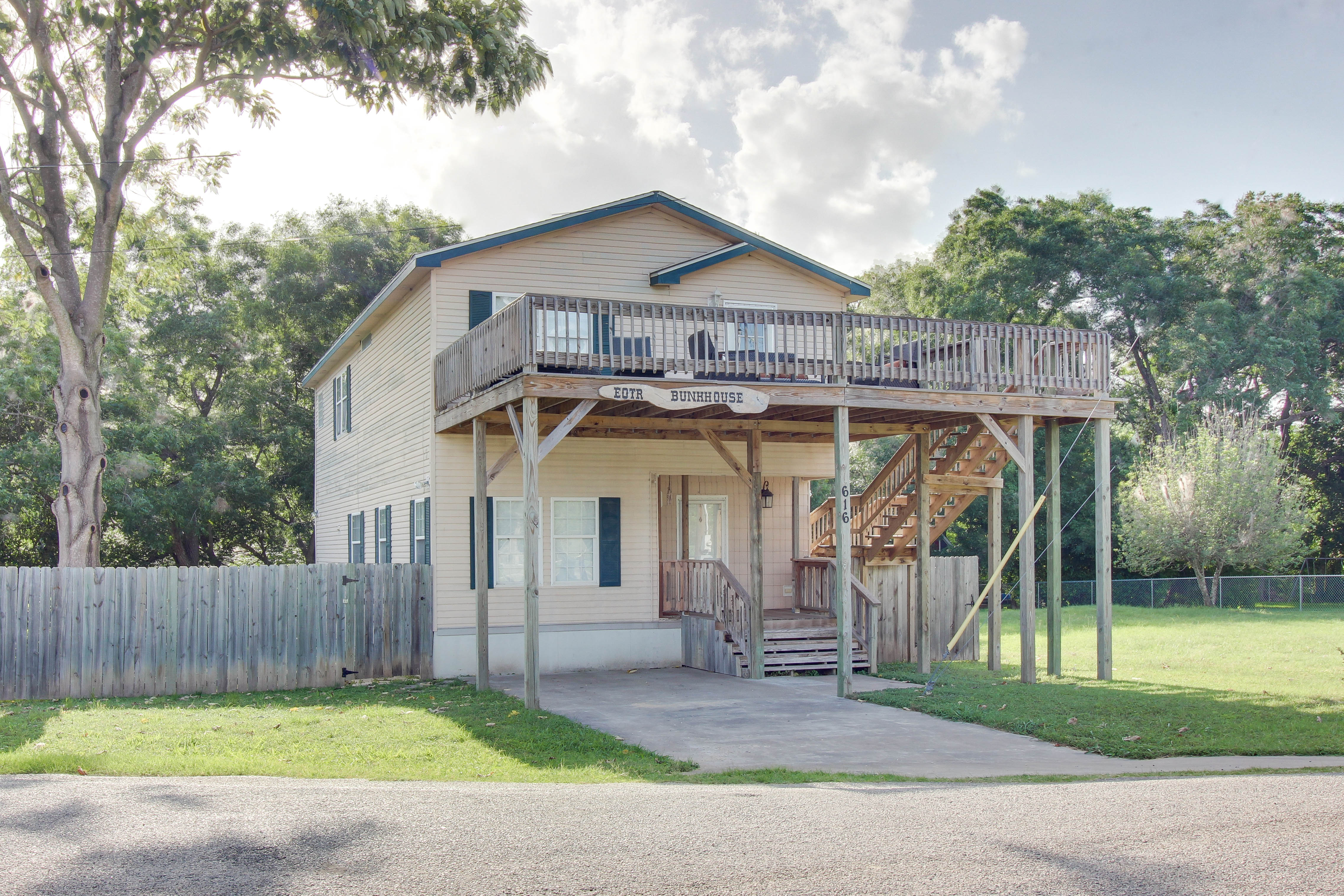 new cabin pics real lake canyon texas view oak at the cabins stock dam shores of picture best from tx rentals braunfels estate