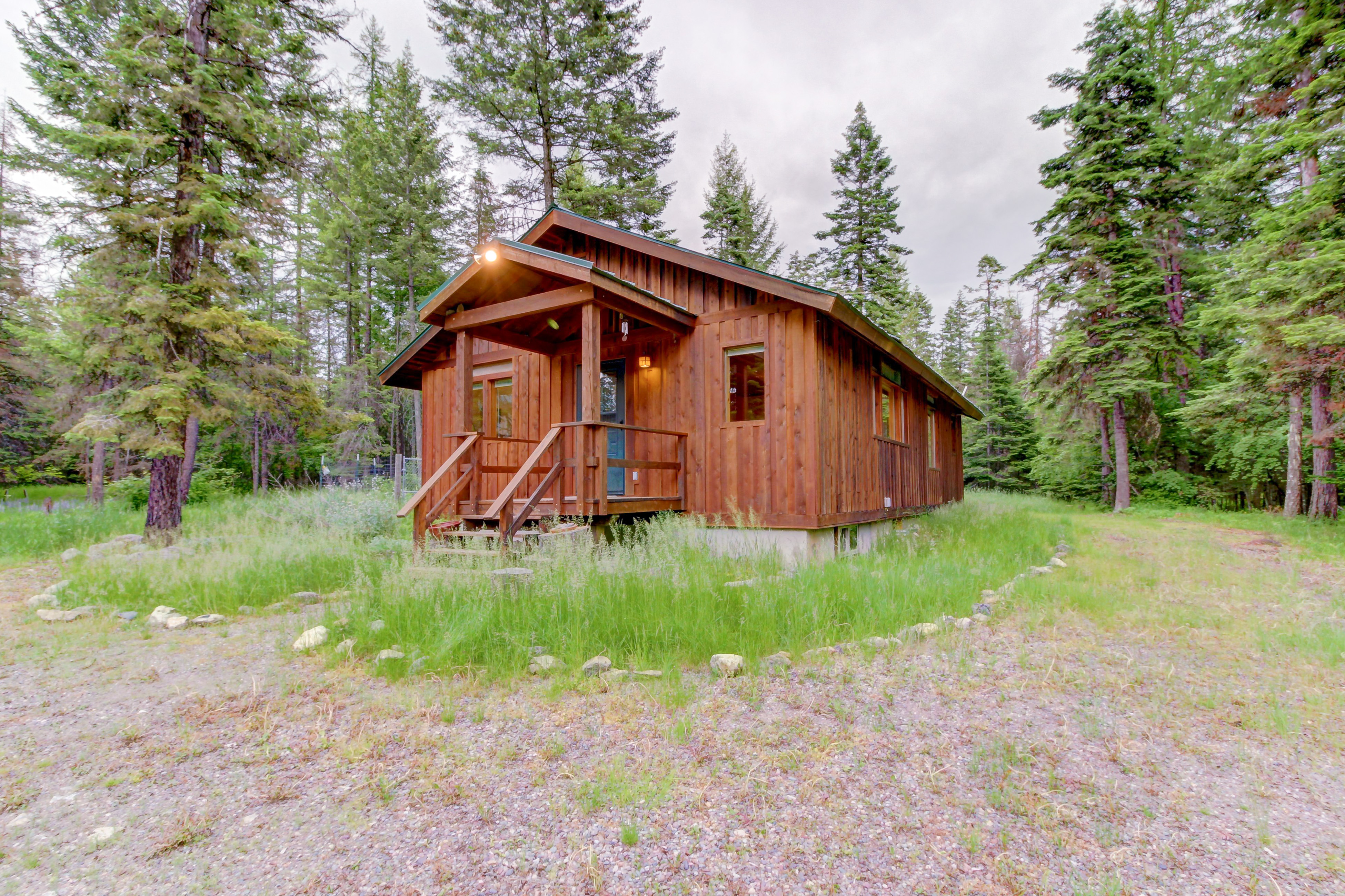 rentals to wifi cabins mt img montana vacation cabin rainierwith with rainier lake close tmc creek