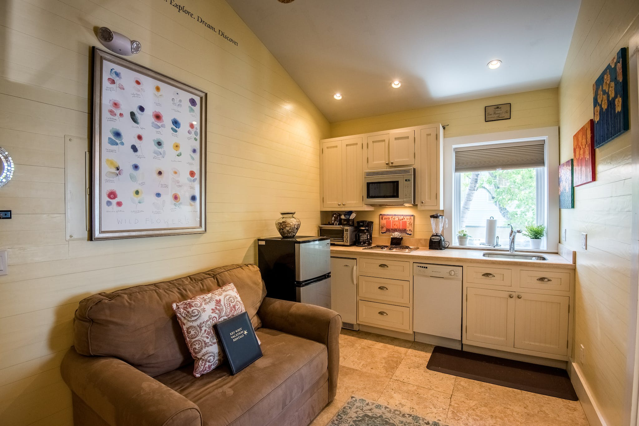 RENT Yellowfin Ledge On Duval - Nightly Rental | Key West Vacation ...