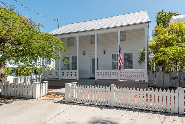 RENT Four Flowers Guesthouse - Nightly Group Unit | Key West