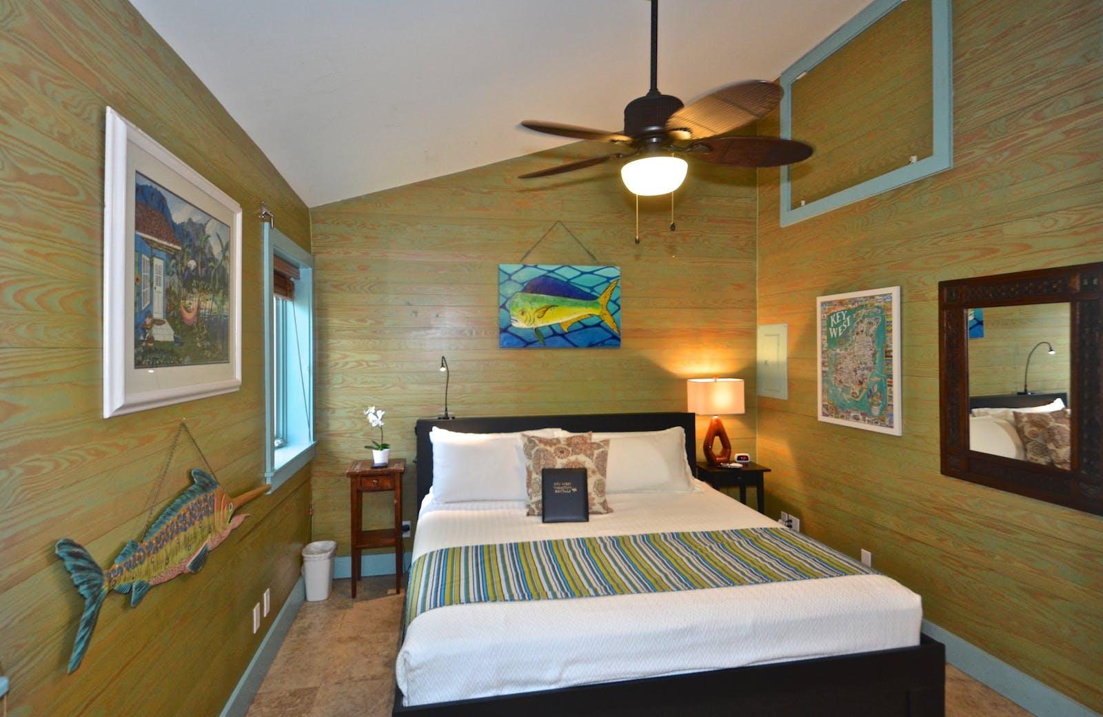 RENT Wahoo Way On Duval - Nightly Rental | Key West Vacation Rental
