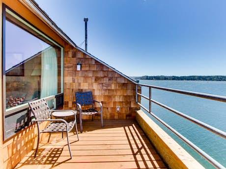 Embarcadero Resort Hotel & Marina Vacation Rentals from $53 | Vacasa