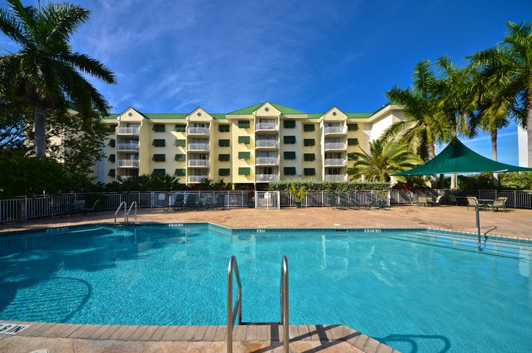RENT Grand Cayman Suite #309 @ Sunrise Suites Resort | Key West