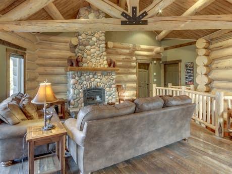Whitefish, MT Vacation Rentals, Cabin Rentals, Condos | Vacasa