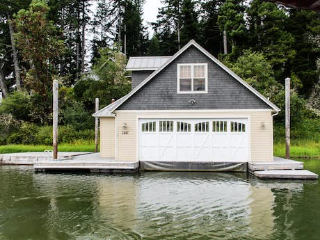 Lakeside OR Vacation Rentals, Cottage Rentals, Lakefront