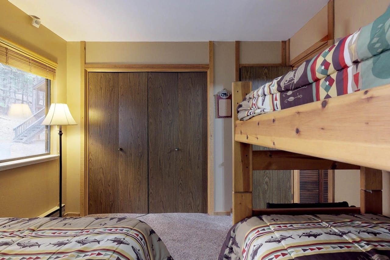 Snugglers Inn Condominium 1 Bd Vacation Rental In Shaver Lake Ca