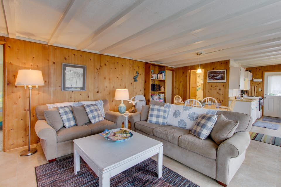 Spectacular Ocean Views From This Dog Friendly Cottage Await Vacasa