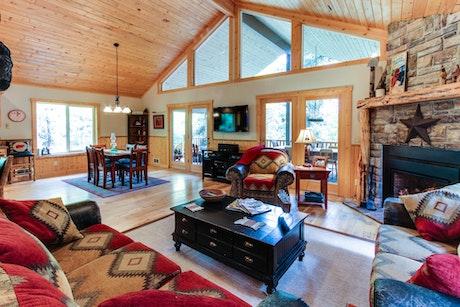 Idaho Vacation Rentals Cabin Rentals Vacasa