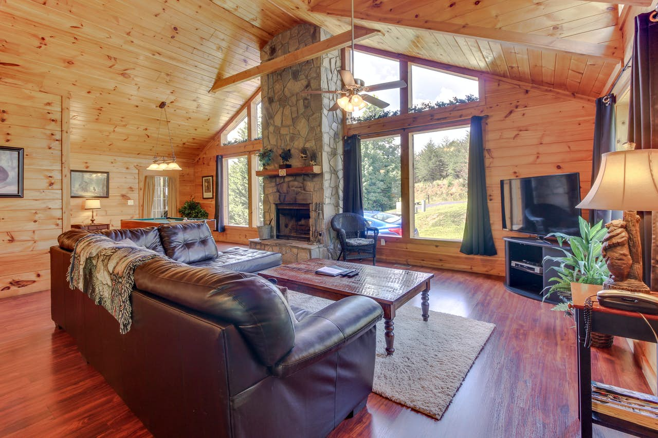 Dancing Bear Cabin 1 Bd Vacation Rental In Sautee